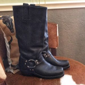 """Frye """"Harness 12R"""" leather boots women's 6"""